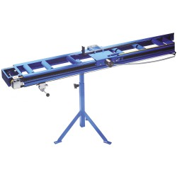 Roller conveyor with manual adjustment